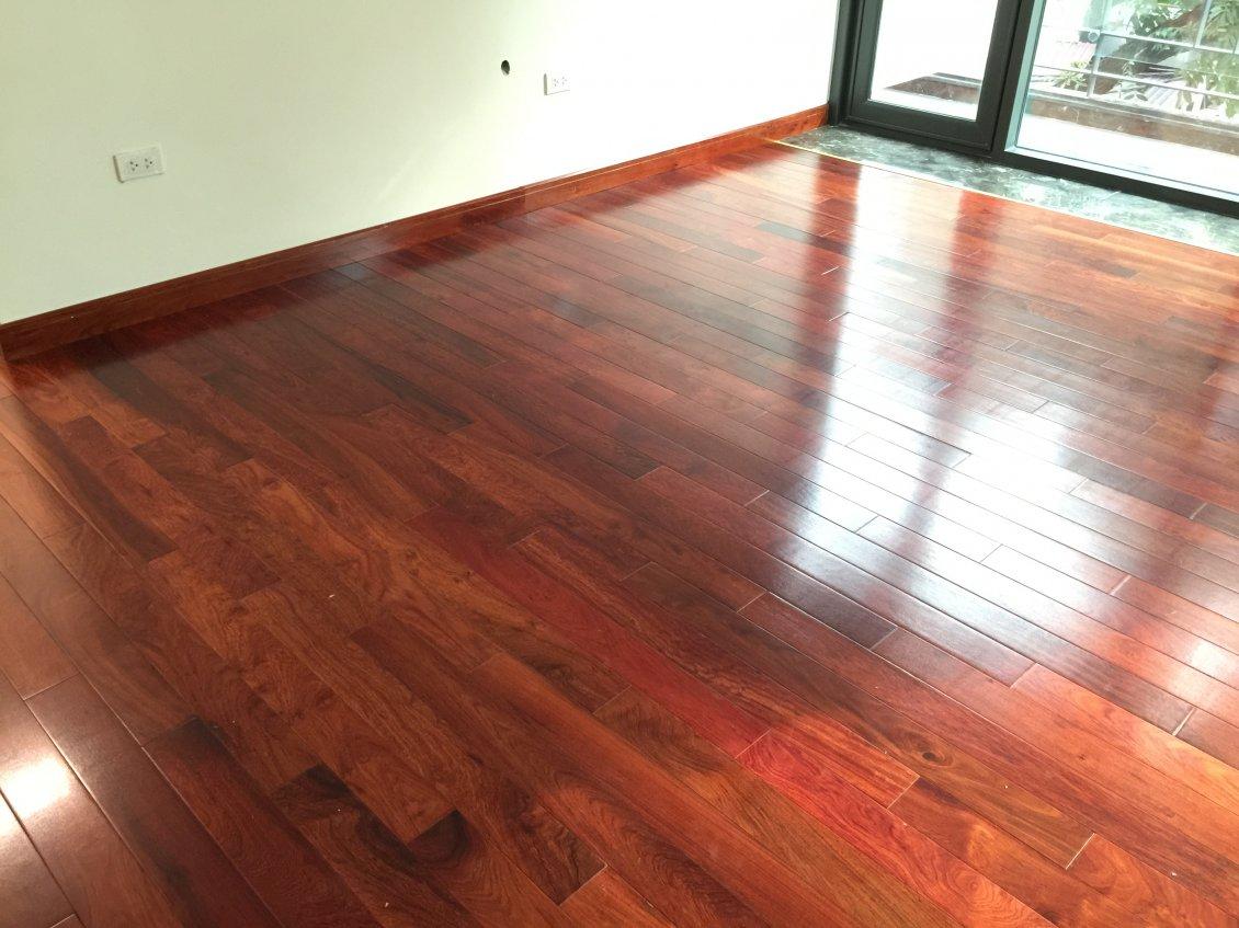 sàn gỗ giáng hương loại sàn gỗ tự nhiên tốt