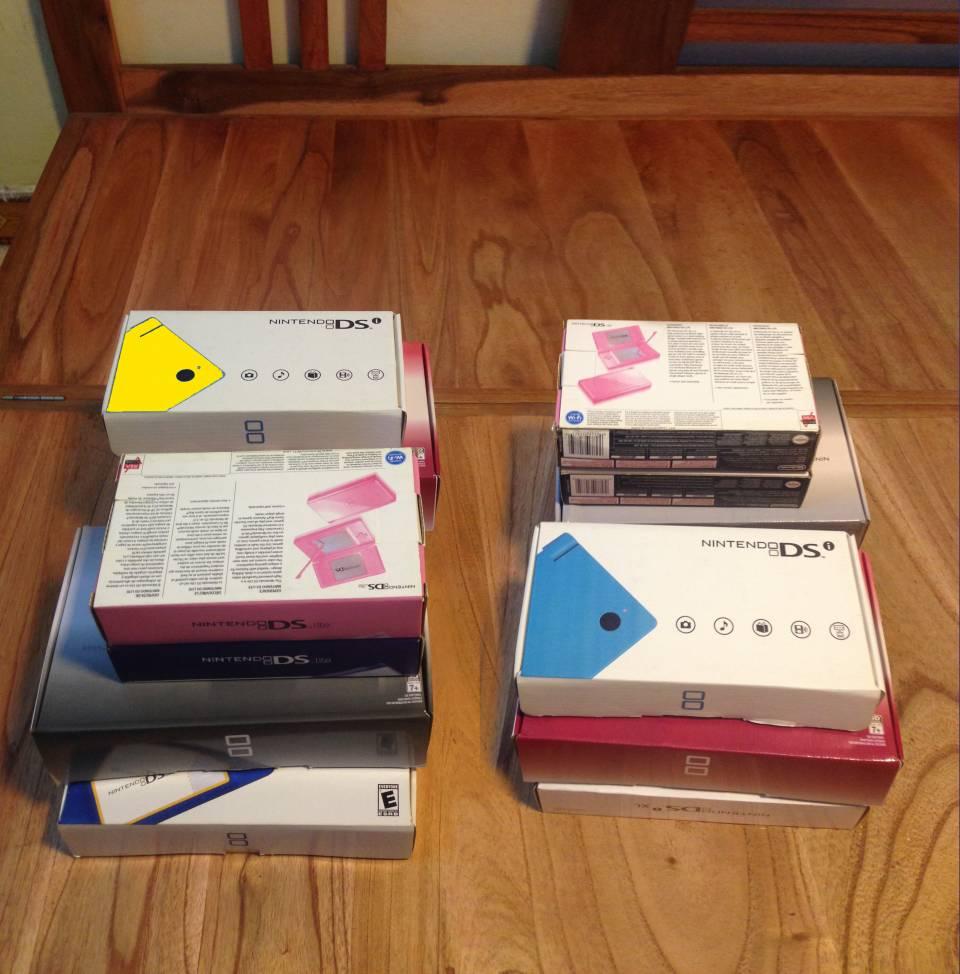 Bán số lượng lớn máy Nintendo Dslite, Dsi, DsiXL, 3DS và 3DS LL