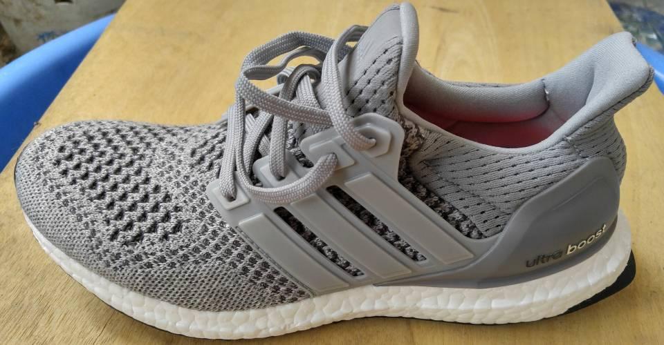 f09720e724d Funland] - Chia sẻ cách phân biệt giầy Adidas fake và real | OTOFUN ...