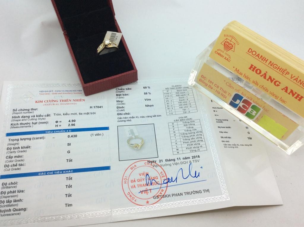 kiểm định số H 17041  NHẫn vàng tây 14k ổ ngoại của hãng LCA gắn kim cương thiên nhiên