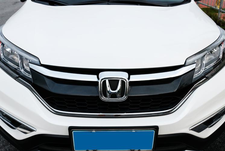 Ốp Inox logo trước Honda CRv 10-2017