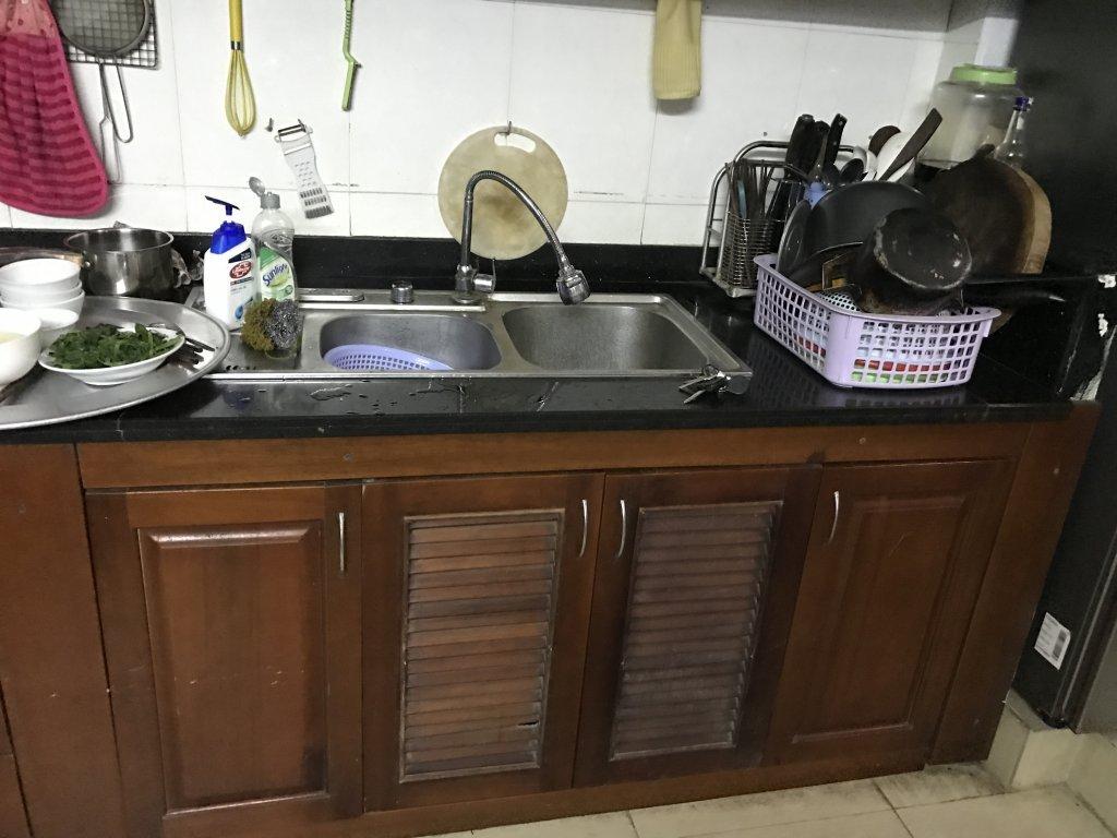 Kết quả hình ảnh cho tủ bếp cũ