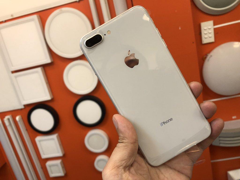 Kết quả hình ảnh cho iphone 8 plus seal