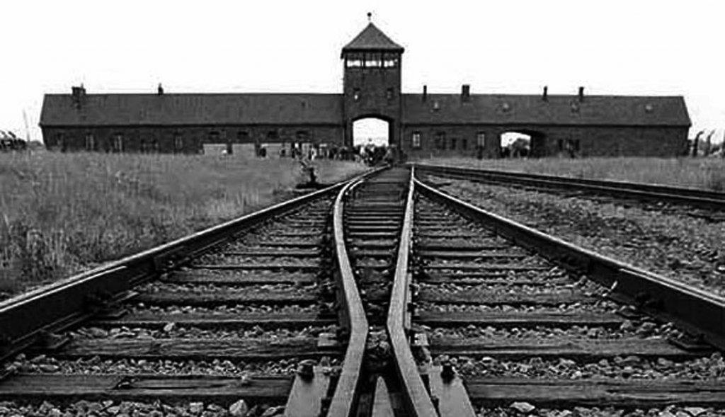 Auschwitz (8).jpg