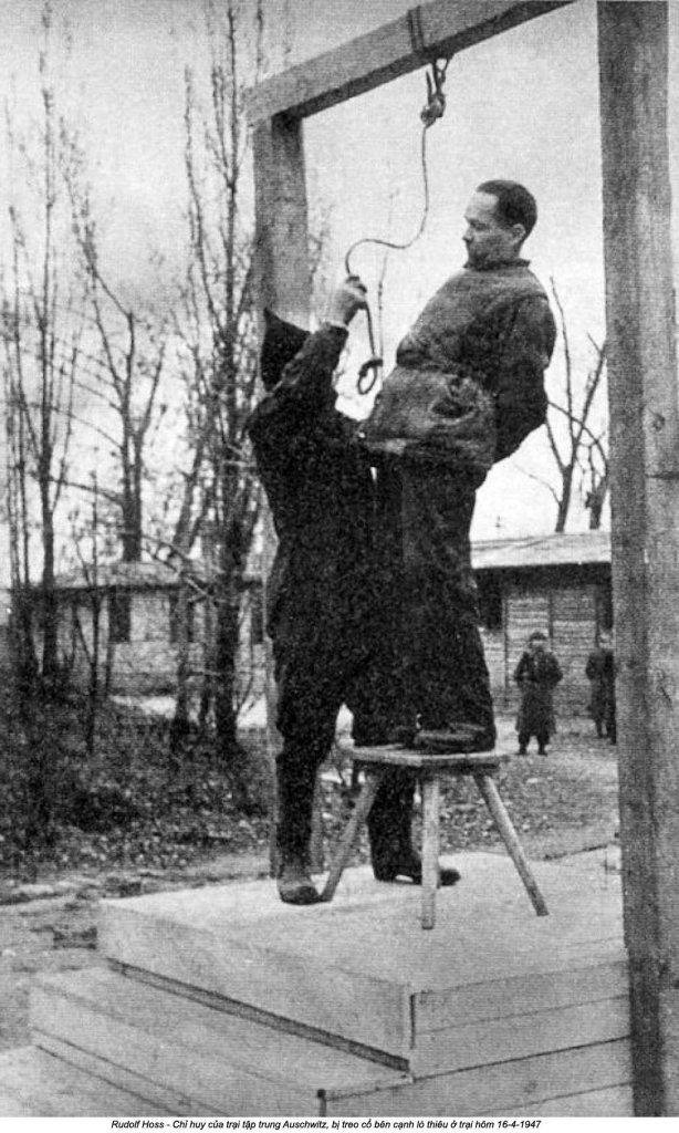 Auschwitz (23).jpg