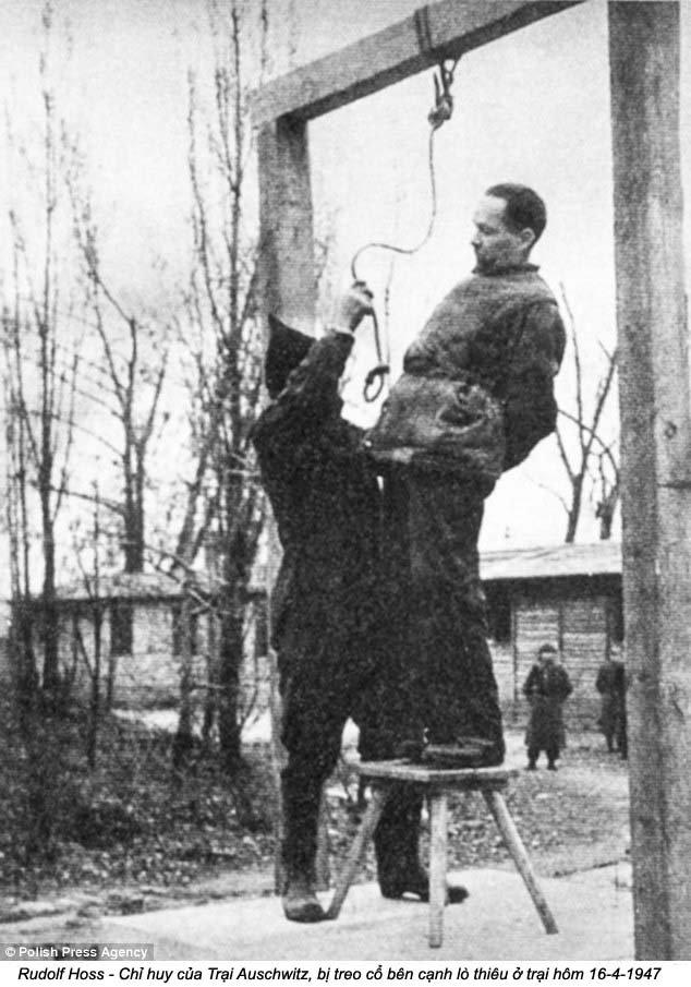 Auschwitz (24).jpg