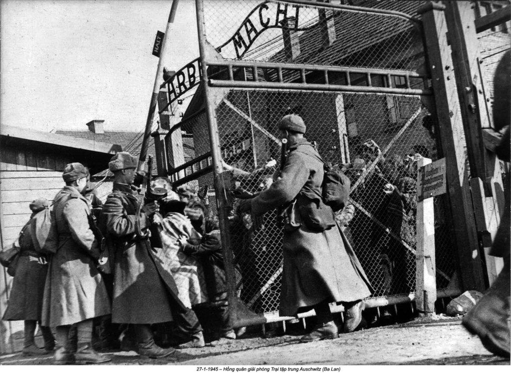Auschwitz (25).jpg