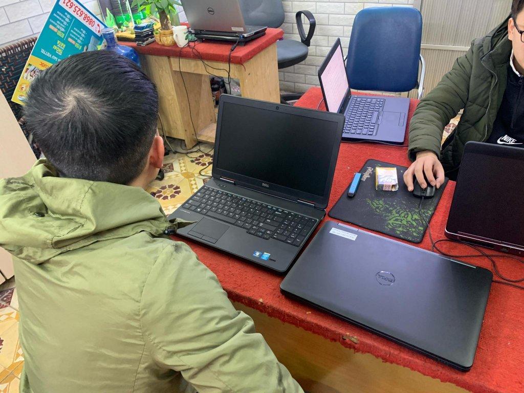 laptop-cũ.jpg