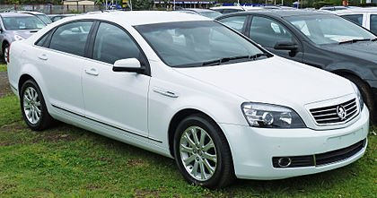 Holden_WM_Statesman_sedan.jpg