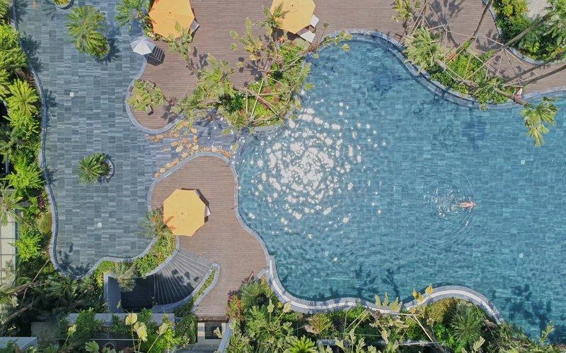 palm-pool-bar-0913176.jpg