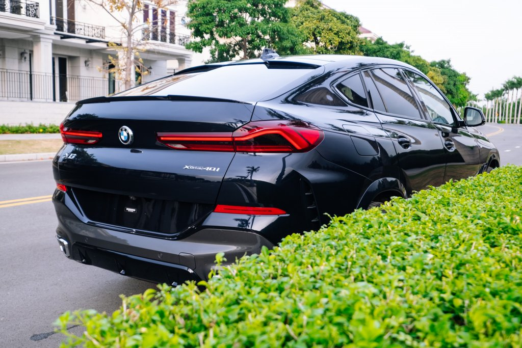 BMW X6_No WM (37 of 37).jpg