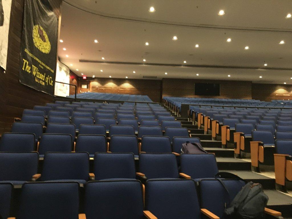 Nhà hát của nhà trường 1.jpg