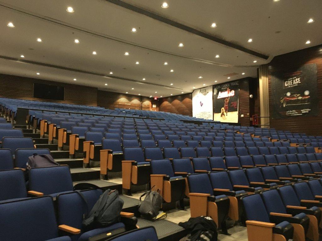 Nhà hát của nhà trường 2.jpg