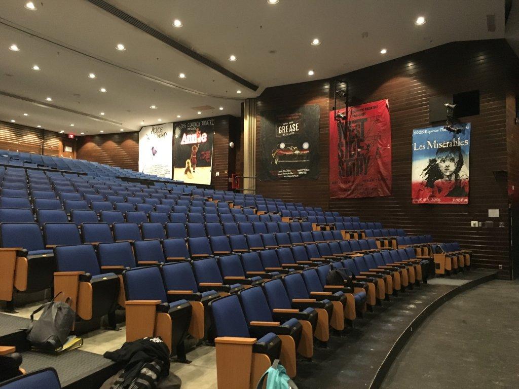 Nhà hát của nhà trường 3.jpg