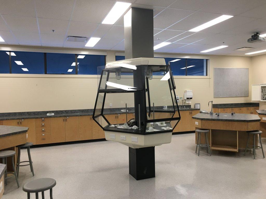 phòng thí nghiệm hóa học 1.jpg