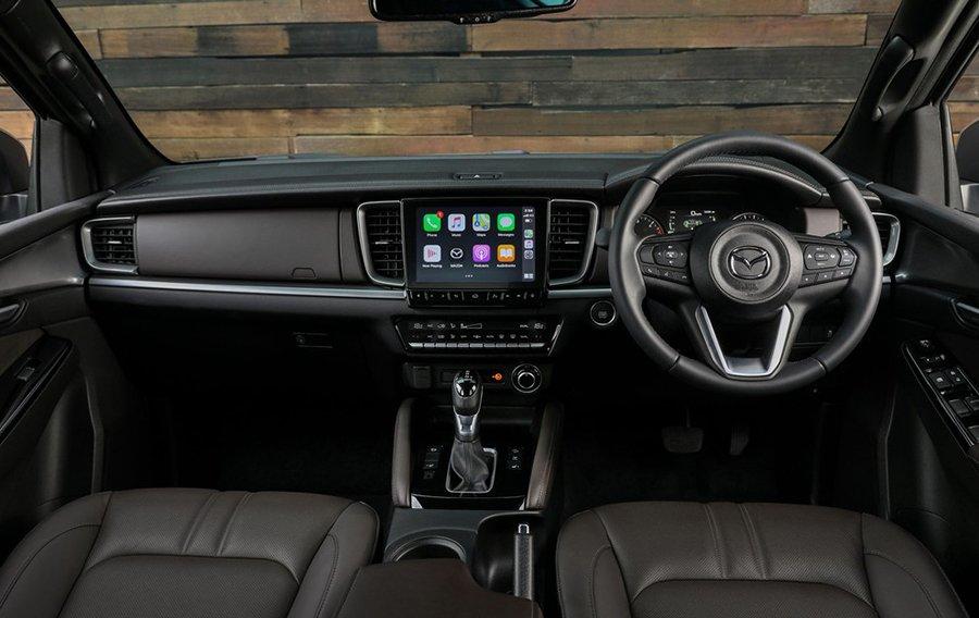 Mazda-BT-50-2021-otofun-4.jpg