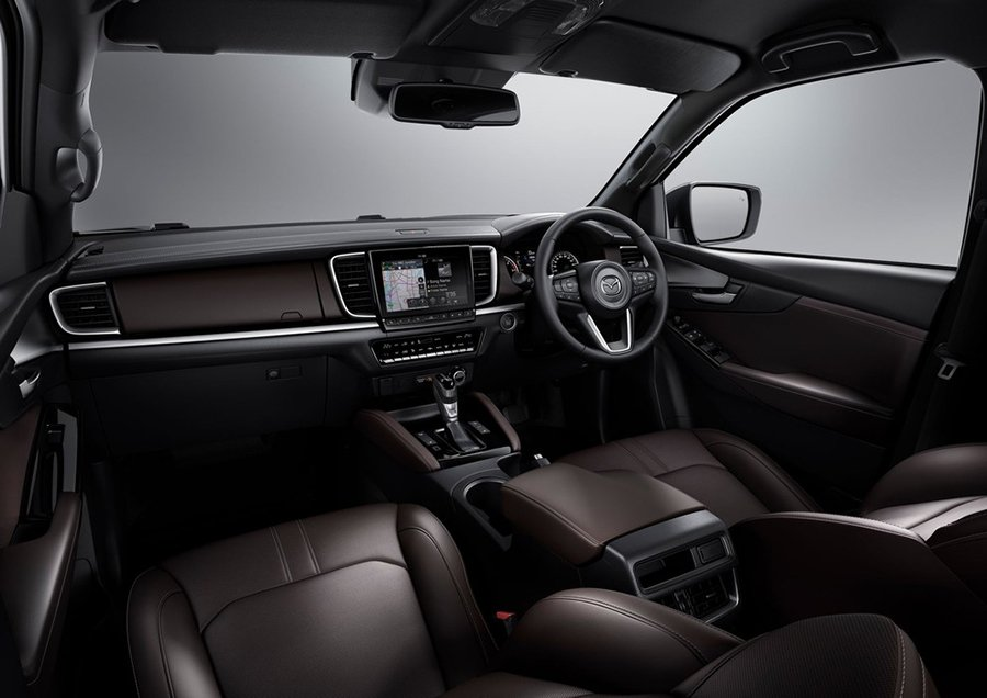 Mazda-BT-50-2021-otofun-6.jpg