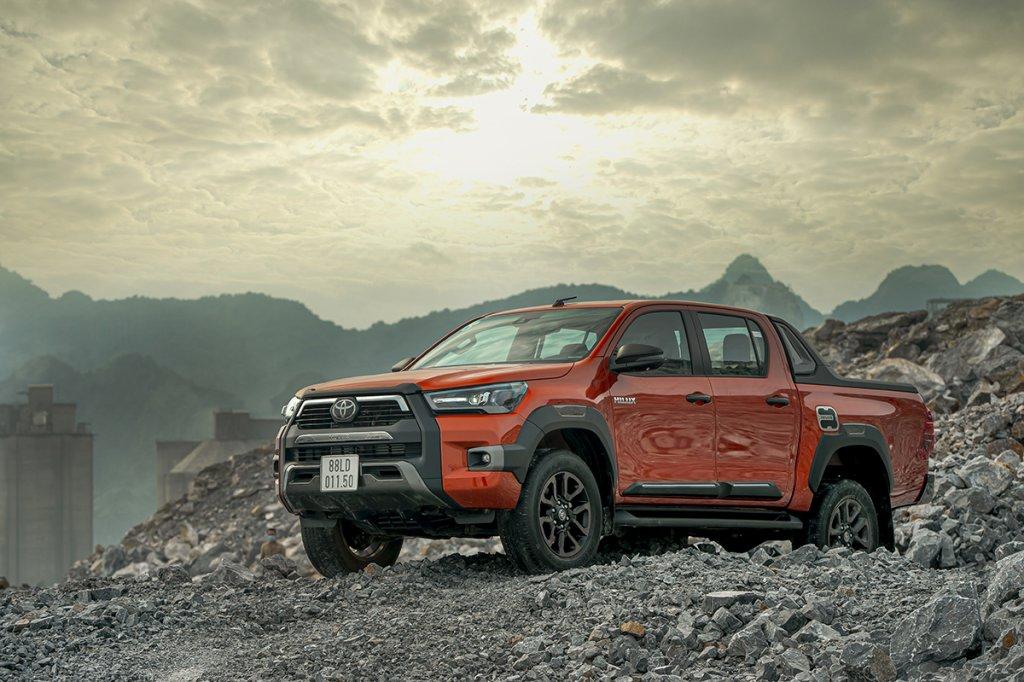 Toyota Hilux 2020 13.jpg