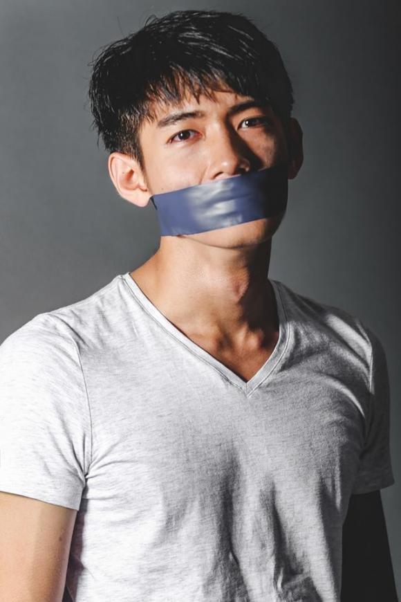 chang-trai-hoan-doi-voi-cho-10-ngoisao.vn.jpg