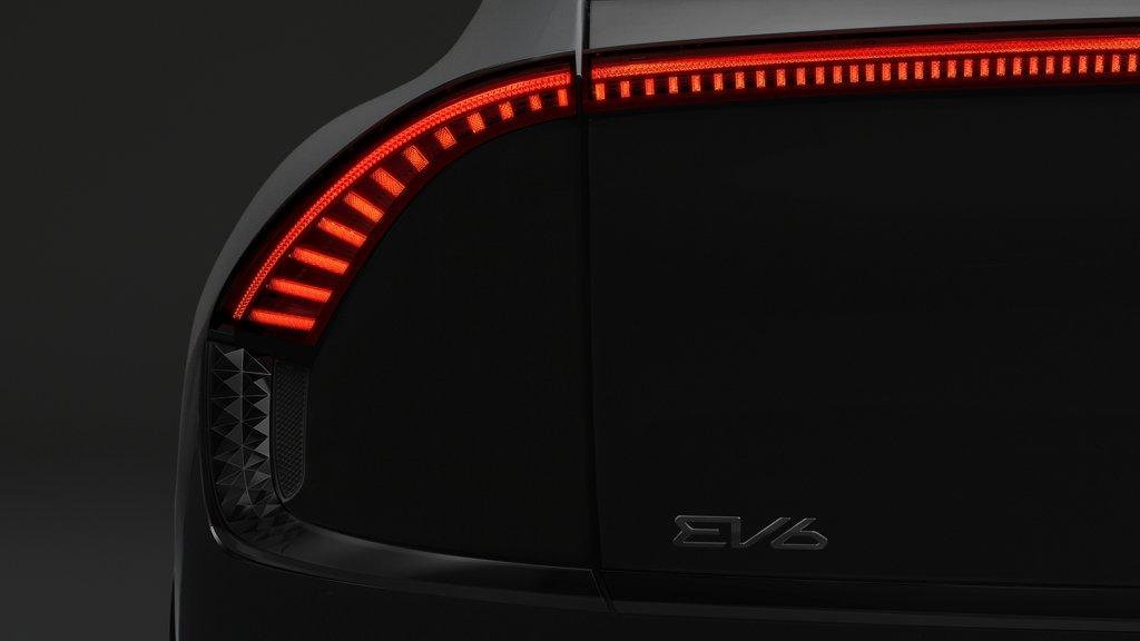 Kia-EV6-2022-4-783-1615262070-5105-1615262215.jpg