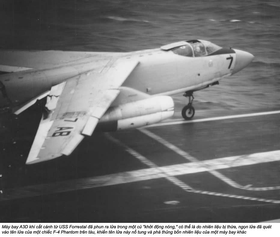 USS Forrestal (2_7).jpg