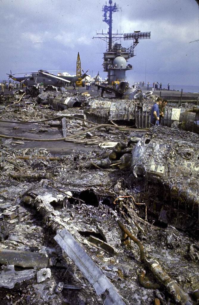 USS Forrestal (2_30_1).jpg
