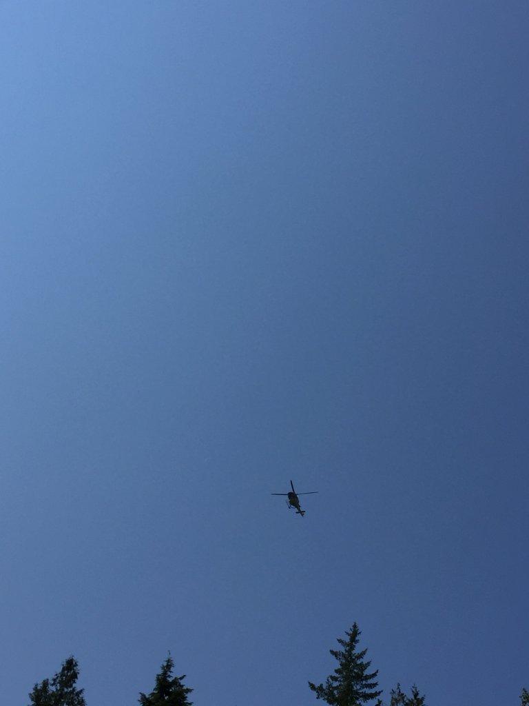 Trực thăng tuần tra.JPG