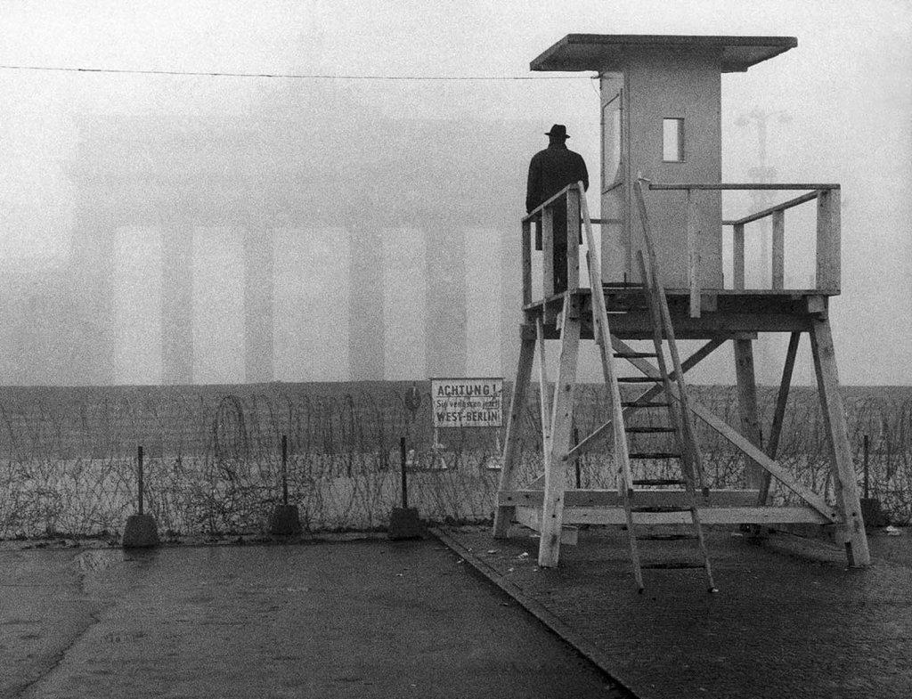 Berlin Wall 1961 (2_104).jpg