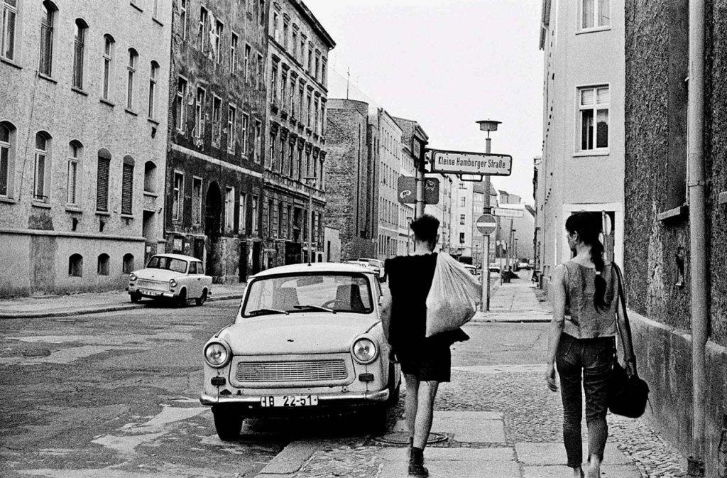 Berlin Wall 1961 (2_111a).jpg