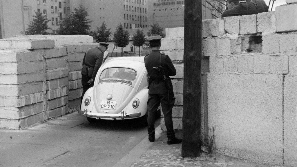 Berlin Wall 1961 (2_137_10)++++.jpg