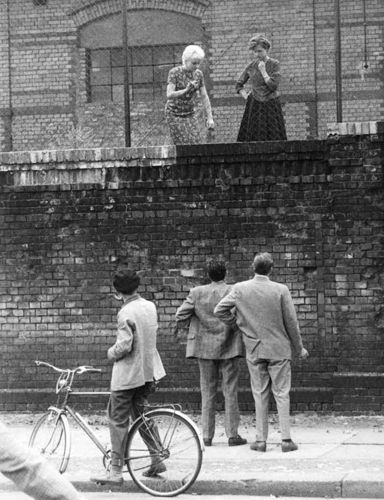 Berlin Wall 1961 (2_160).jpg
