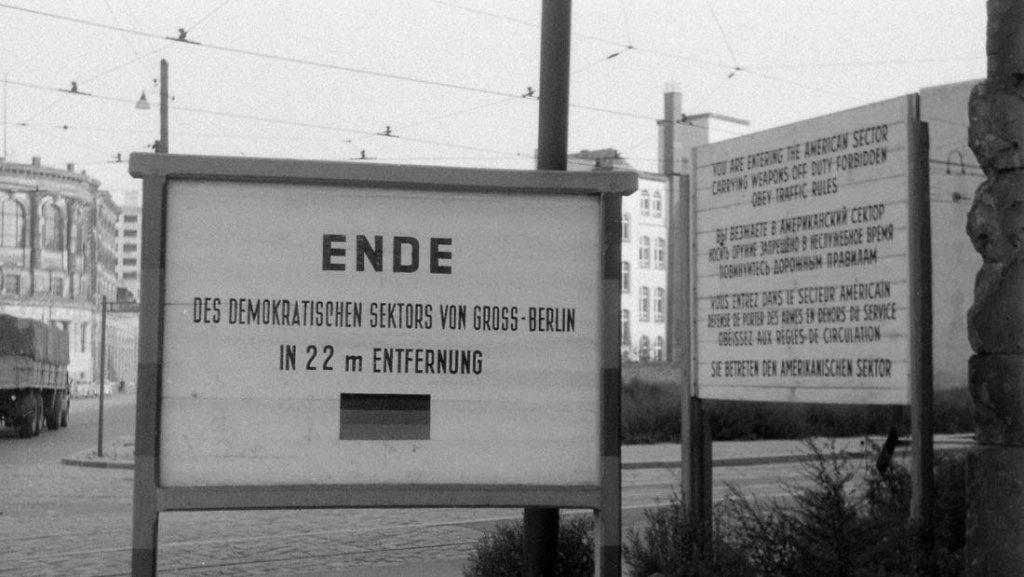 Berlin Wall 1961 (2_174).jpg