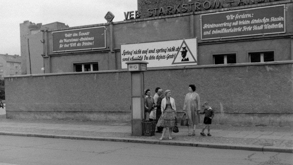 Berlin Wall 1961 (2_177).jpg