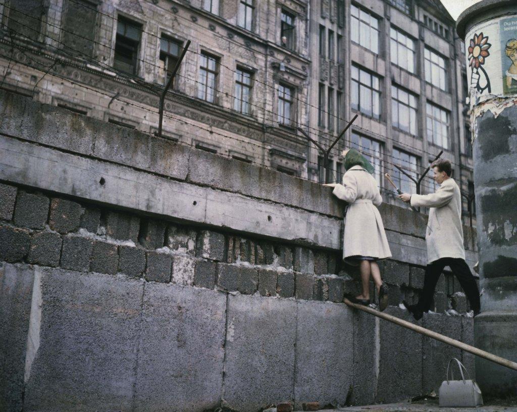 Berlin Wall 1961 (3_1) hóng.jpg