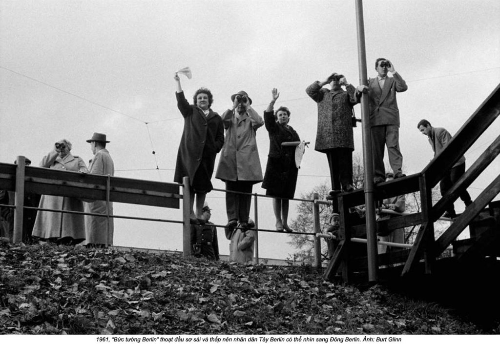 Berlin Wall 1961 (3_13).jpg