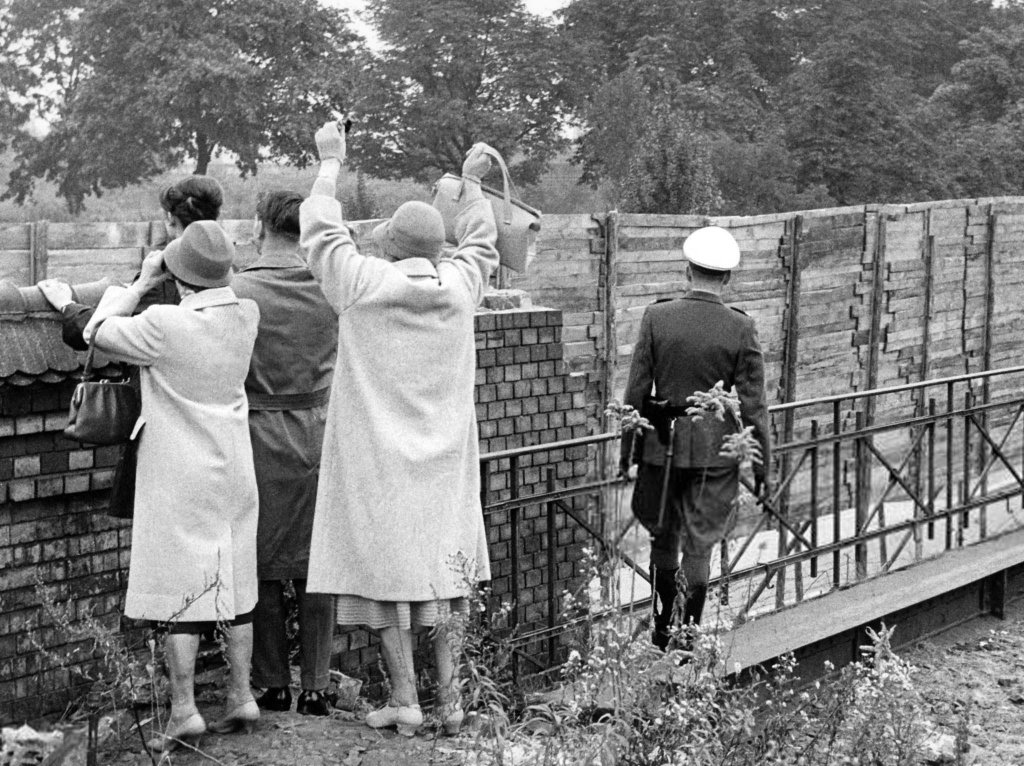 Berlin Wall 1961 (3_27.jpg