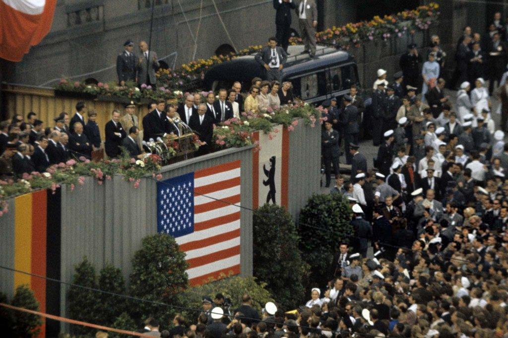 Berlin Wall 1963 (2_6).jpg