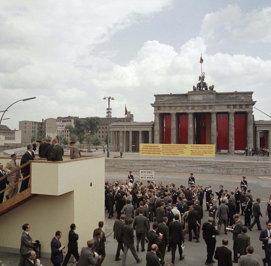 Berlin Wall 1963 (3_3).jpg