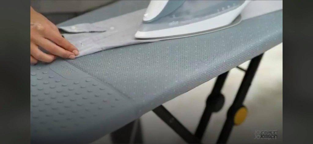 cau-la-chan-cao-Glide-Easy-store-Ironing-Board-Joseph-Joseph-50005-hang-duc-4.jpg
