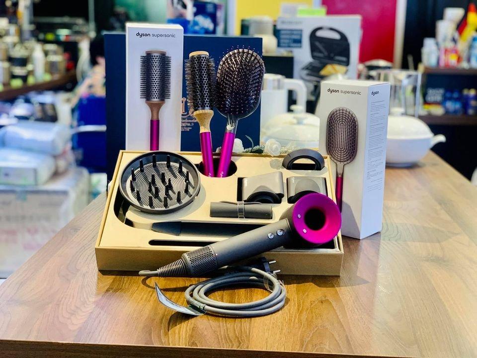 may-say-toc-Dyson-Supersonic™-hair-dryer-Iron:Fuchsia-HD03-3.jpg