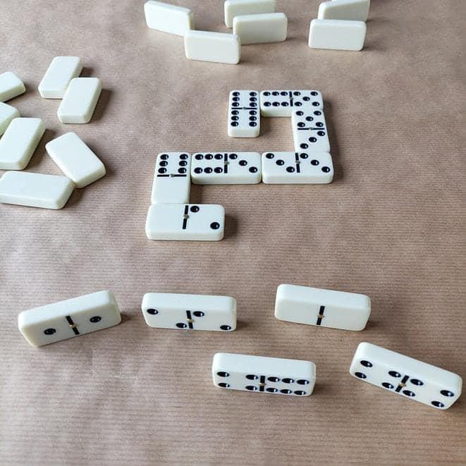 bo-28-quan-co-Domino-Robert-Frederick-RFS12693-4.jpg