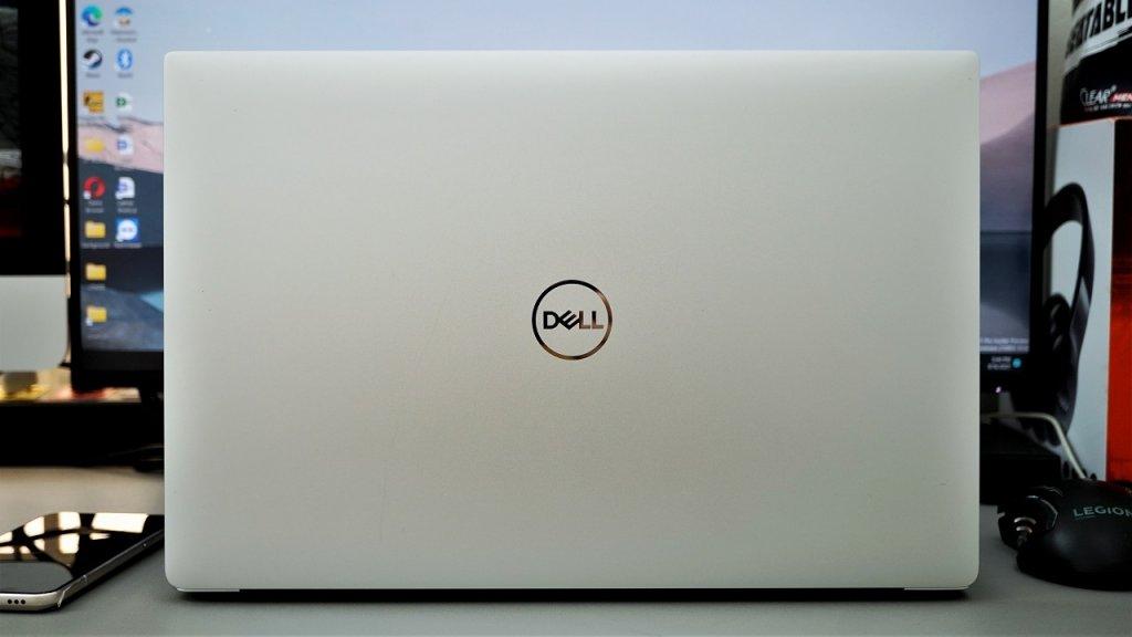 Dell XPS 7590 1.jpg