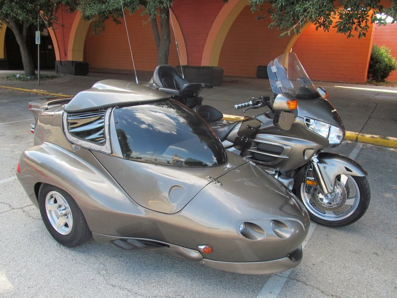 2004-honda-gold-wing-gl1800-with-hannigan-sidecar-and-trailer.jpeg