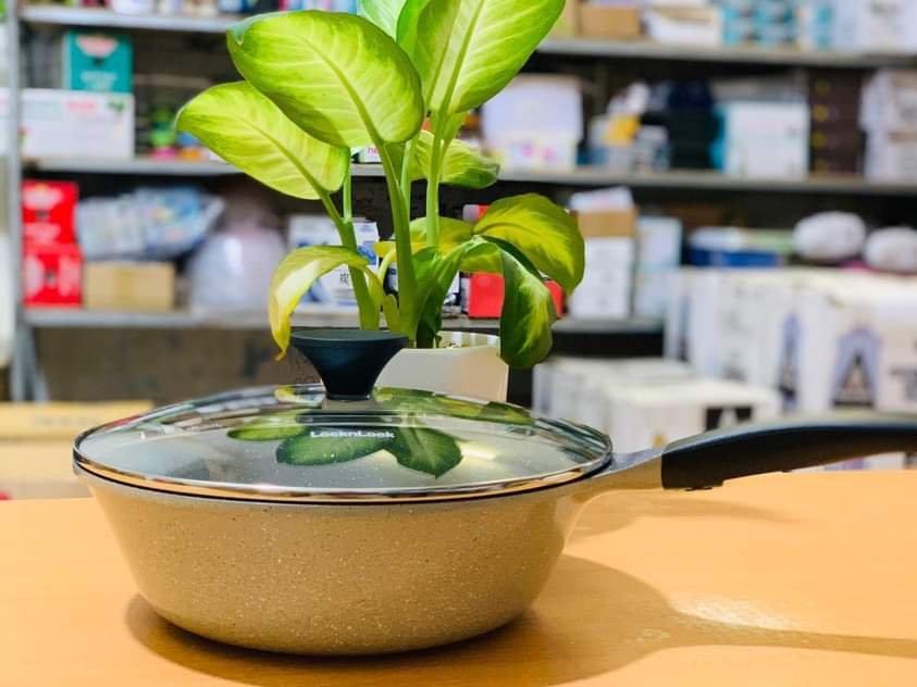 chao-sau-long-chong-dinh-Vitamin-nhom-duc-Lock-n-Lock-LCA6285D-28cm-3.jpeg